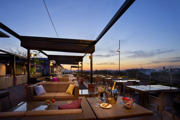 アゴーラ福岡 山の上ホテル&スパ ガーデンレストランk
