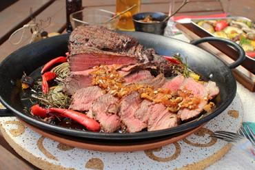 weberで焼くお肉は塊肉がおすすめ!肉は塊で焼く方がおいしい理由